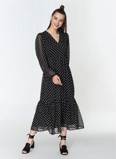 Loves You V Yaka Robadan Kesikli Şifon Puantiye Elbise Siyah